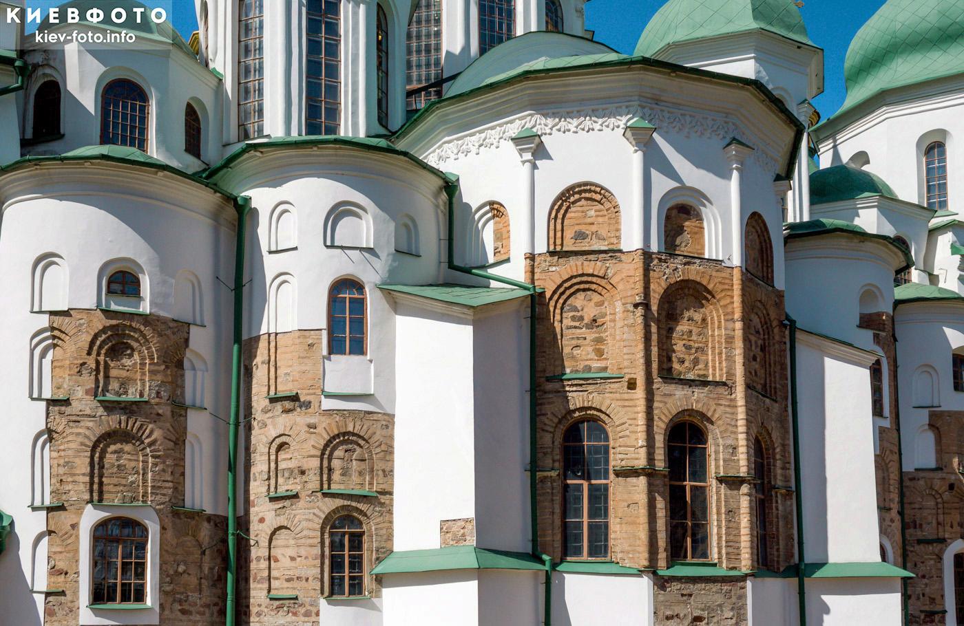 Апсиды Софийского собора в Киеве. Открытая древняя кладка