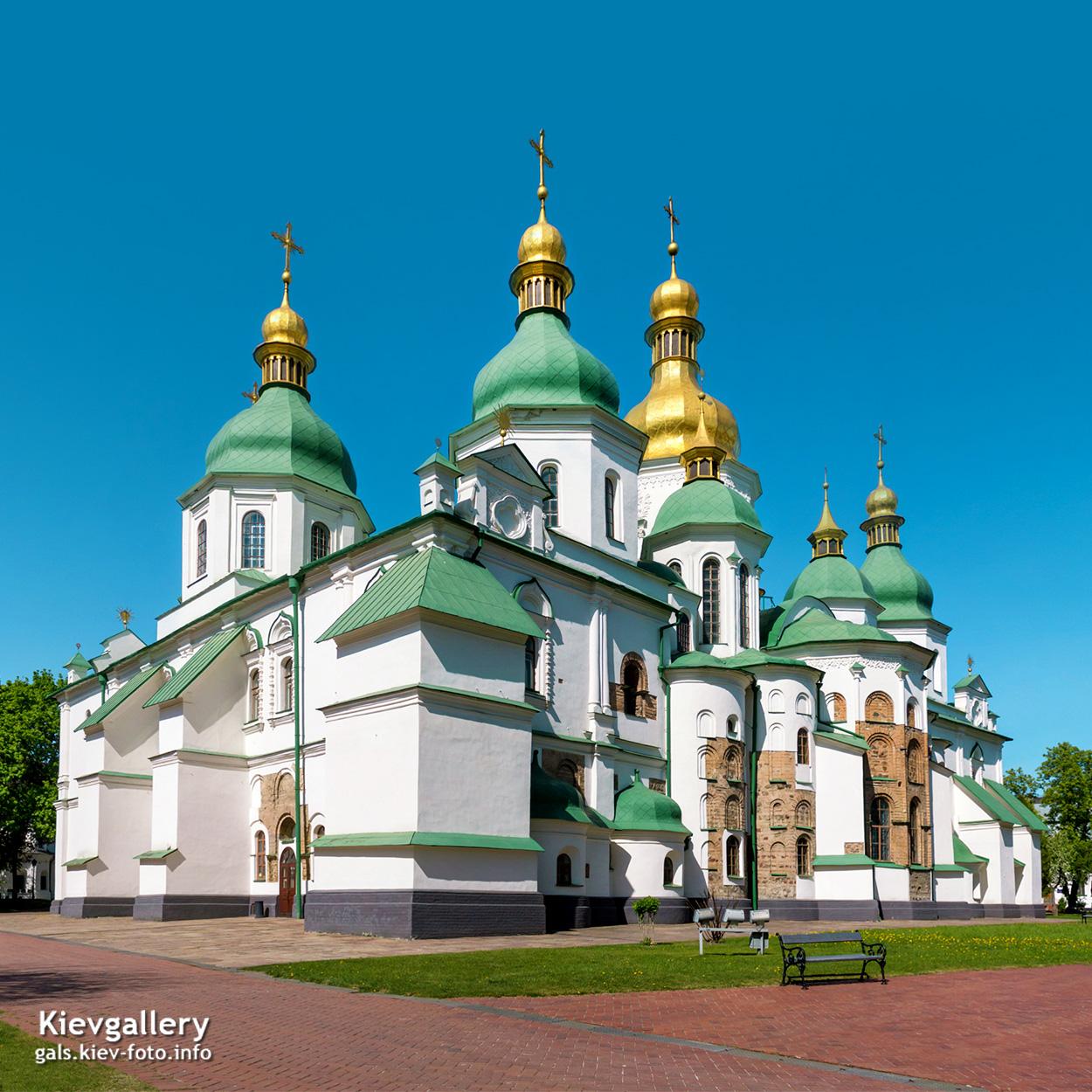 Софийский собор в Киеве. Общий вид с южного востока