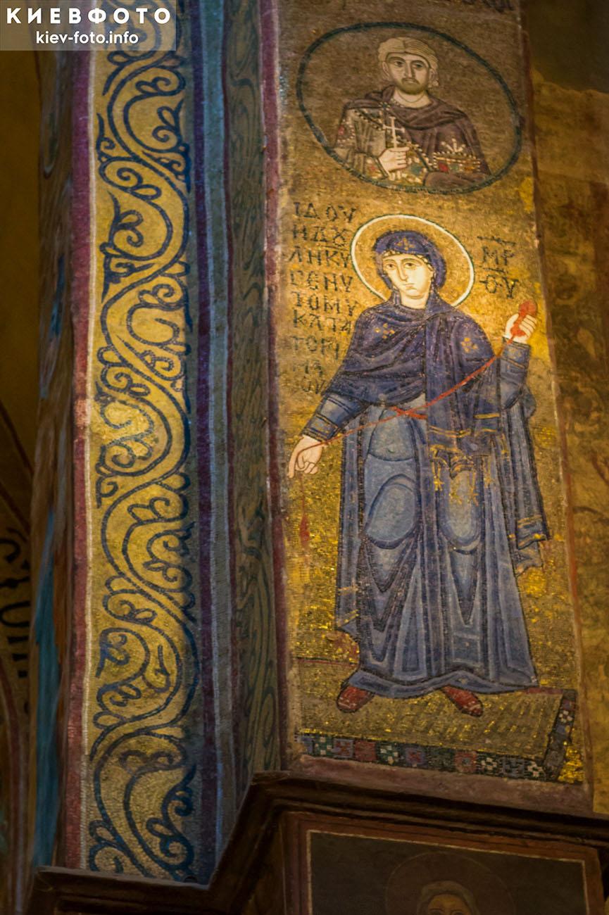 Софийский собор в Киеве. Мозаика. Часть иконы Благовещения