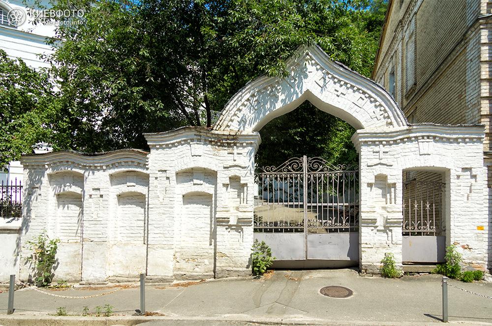 Крестовоздвиженская церковь на Подоле
